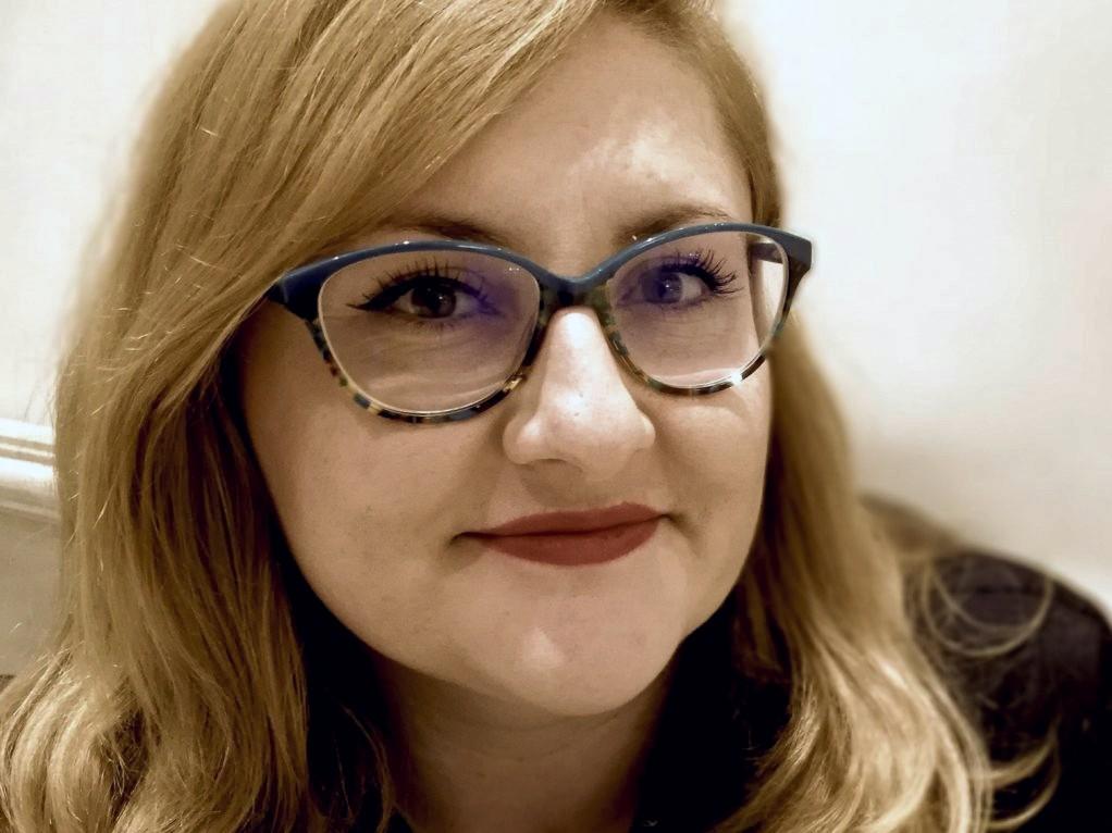 """Interviu PRESSONE, Miruna Vlada: """"Partea politică a oricărei arte poate deveni propagandă periculoasă în funcție de scopul celui care o folosește"""""""